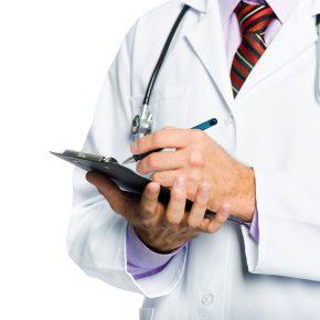 Jaleco sujo era sinônimo de bom desempenho na medicina