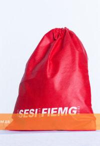 SACOLA TIPO MOCHILA DE TNT - FIEMG
