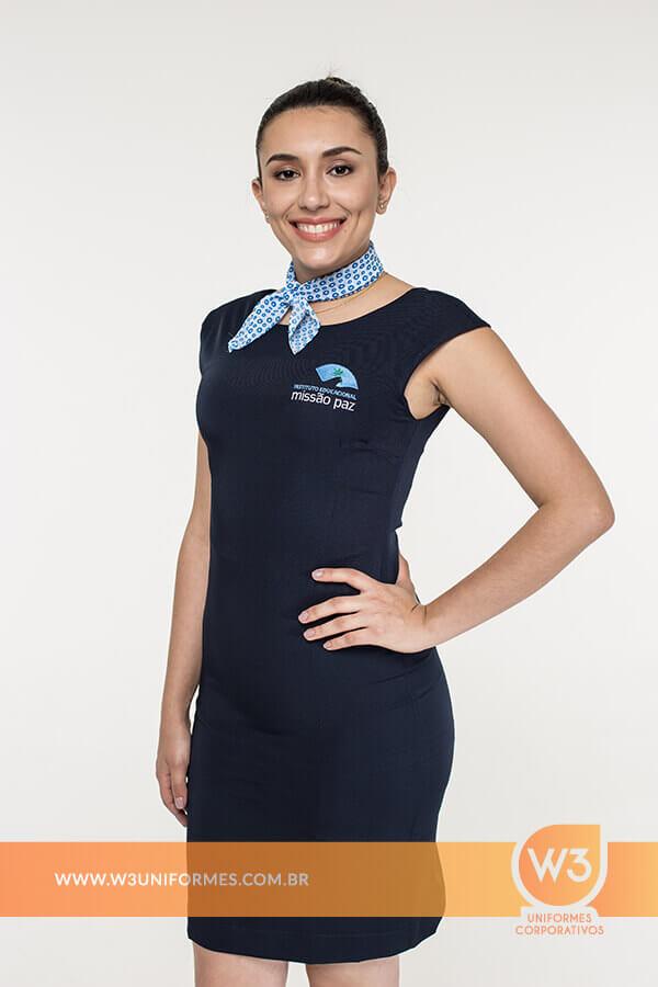 vestido de uniforme social
