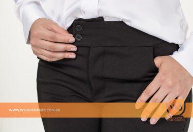 Calça de uniformes