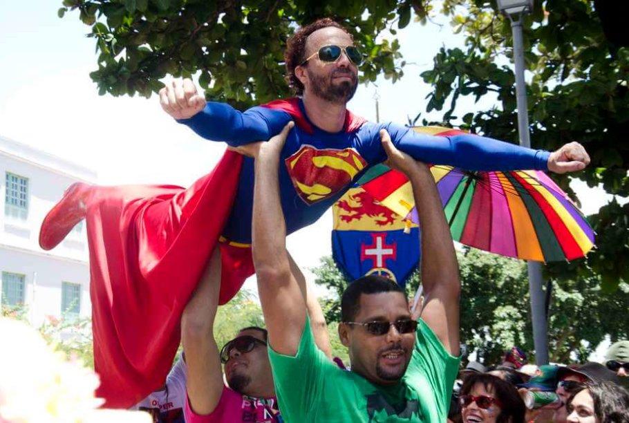 Homens fantasiados - tendência de carnaval para homens