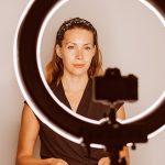 Com qual roupa gravar os vídeos para empresas?
